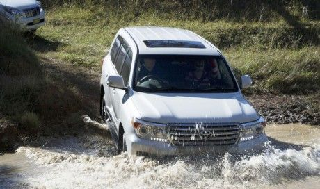 Toyota LandCruiser Review | 2013 200 Series Sahara V8 Diesel | Reviews | Prices | Australian specifications