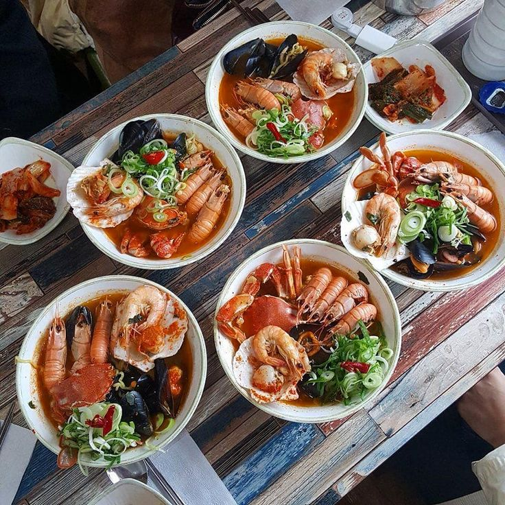 Whale Ramen (고래 라면) - 270-4 Samdal-ri Seongsan-eup Seogwipo Jeju  09:00  19:00  9.000  10.000won   #thekingcrabvn#food #foodporn#foodiegram #instafood #yummy#instagood #photooftheday #seafoodlover #fresh #tasty #foodie #delish #delicious#eating #crab #foodpics #foodphotography #hungry #foodgasm#hot #lovefood #barbecue #seafood #kingcrab #lobster #octopus#oysters #bbq #streetfood