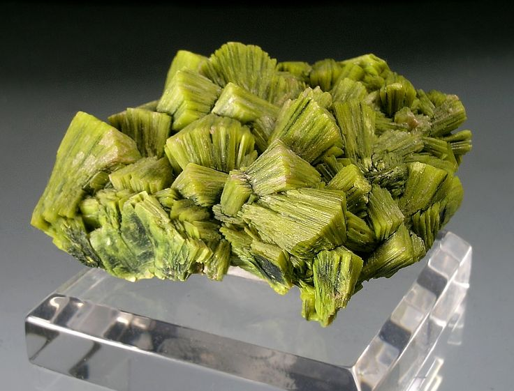 87 best gem hunting images on Pinterest   Crystals, Crystals ...