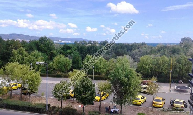 25000€, 438€/m2! Cheap sea view and mountain view 1-bedroom apartment for sale  in complex Favorit, 150m. from the beach Cacao Beach in Sunny beach, Bulgaria. The apartment is superb for year-round living, holiday home, second home, beach home, summer vacations or rentals. http://homeinbulgaria.com/en/offer/103493.html