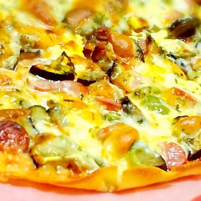 オーブンの発酵機能を使えば、簡単に作れるクリスピーピザです。 - 54件のもぐもぐ - チーズ7種類クリスピーピザ by sweetsfun3