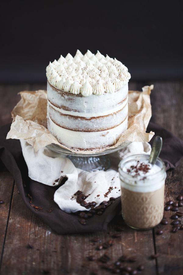 Coffee and white chocolate cake ...