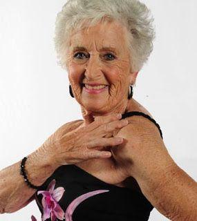 Idosa entra para o Livro dos Recordes Mundiais - Guinness World Records http://mulhernaweb.blogspot.com.br/2017/01/idosa-entra-para-o-livro-dos-recordes.html