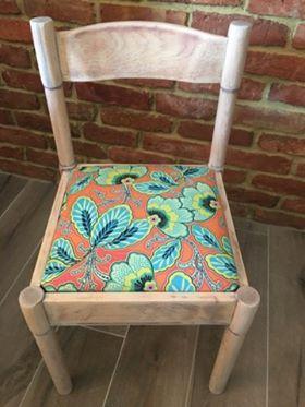 Krzesło odnowione przez panią Elizę z pomocą tkaniny Amy Butler z kolekcji Lark