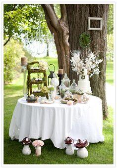 Mesa pequena e linda. Inspiração para casamentos e noivados.