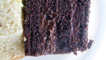 Schokoladenmousse zum Füllen von Torten oder als Dessert im Glas