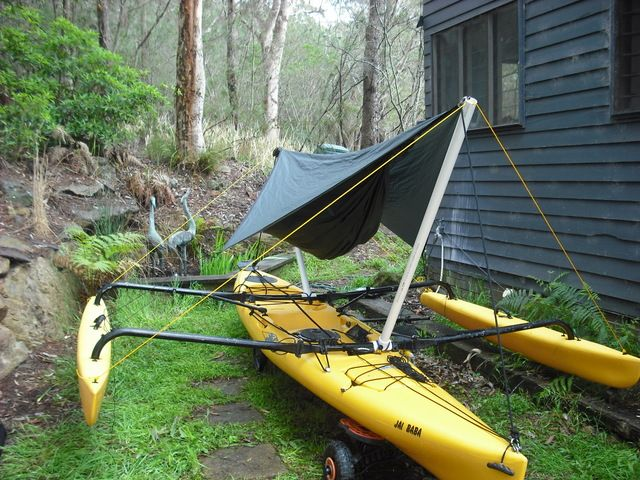 Sweet idea for kayaking using a Hennessy hammock and single PVC pipes.
