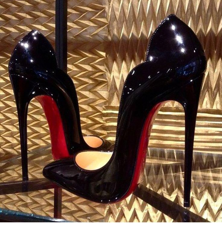 christian louboutin 'hot chick 130' black patent pumps. #shoeporn