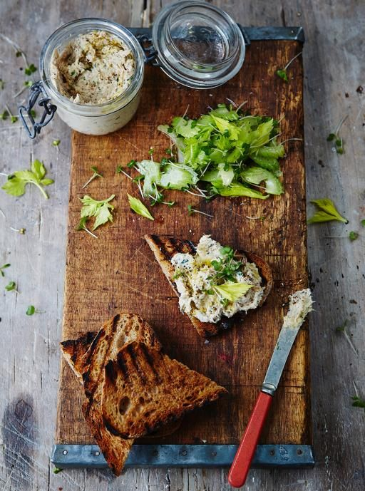 400g Smoked Mackerel whizzed up with 200g cream cheese, zest + juice of lemon and chopped parsley. Serve on griddled bread/toast with watercress