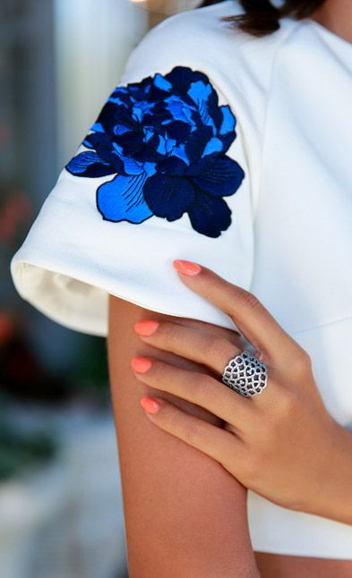 Go for cobalt like blogger Annabelle Fleur from vivaluxury.com #PANDORAloves
