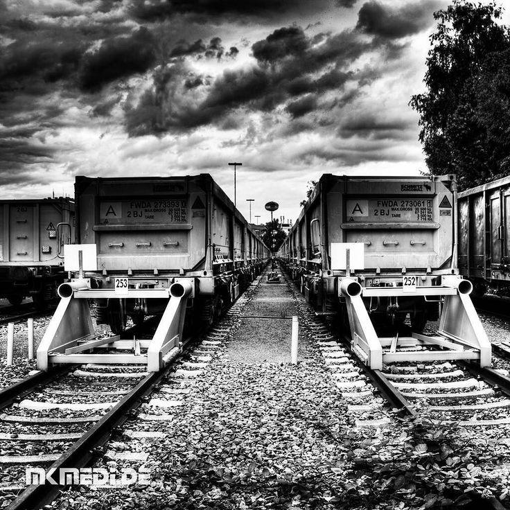 Markus Medinger Picture of the Day | Bild des Tages 22.07.2016 | www.mkmedi.de #mkmedi  #365picture #365DailyPicture #pictureoftheday #bilddestages #streetphotography  #instagood #photography #photo #art #photographer #exposure #composition #focus #capture #moment  #stuttgartlikeNY #nyfeelings #blackandwhite #schwarzweiss #freightdepot #güterbahnhof  #boxcar #güterwagen #urban  #stuttgart #badenwuerttemberg #germany #deutschland  @deinstuttgart @badenwuerttemberg @visitbawu @srs_germany…