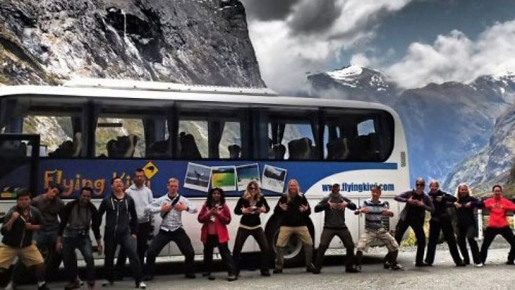 Choosing the Right Bus Tour For Your Holiday