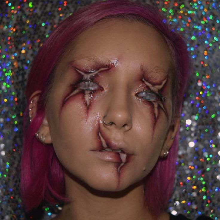 @nerissamakeup creates faces of nightmares, designing haunting illusions that make the dead come alive.