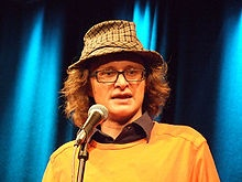 Simon Munnery: skinny genius, and a man I once rambled incoherently at (whilst I was pished).