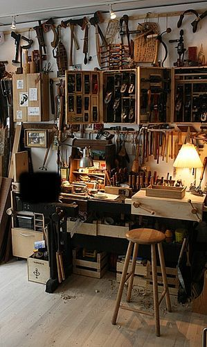 LJ friends and gifts. #17: Visit in the shop from Italy - Actually also France and Denmark... - by mafe @ LumberJocks.com ~ woodworking community