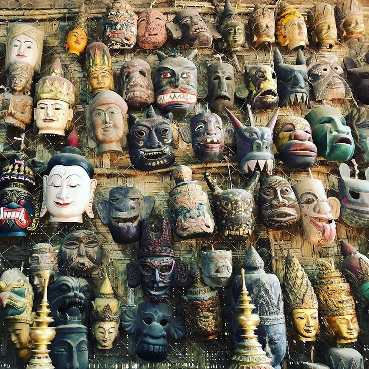 #birmania #mandalay #myanmar #colors #details #colori #sun #travel #holidays #travelphotography #pic #picture #photo #picoftheday #pictureoftheday #photooftheday #nature #temple #temples #pagoda #templio #buddha #gold #mask #masks #face #faces #amarapura #smile
