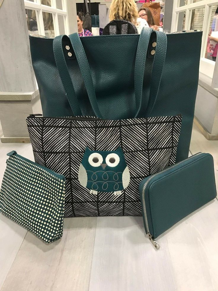 Hoo's ready for fall? New Fall 2017 thirty one. Around town tote, zipper pouch, all about the Benjamins, mini zipper pouch peacock green #thirtyone #fall2017