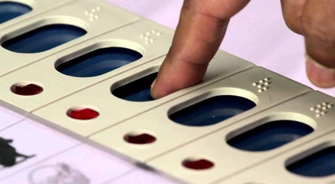 New Delhi: Delhi Municipal Corporation elections will be held on April 22 and counting for the same will be held on April 25. Meanwhile, State Election Commissioner S.K. Srivastava said that Electronic Voting Machines (EVMs) would be used in the upcoming municipal corporation elections in...