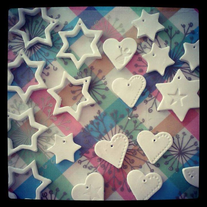 Kerstornamenten van klei