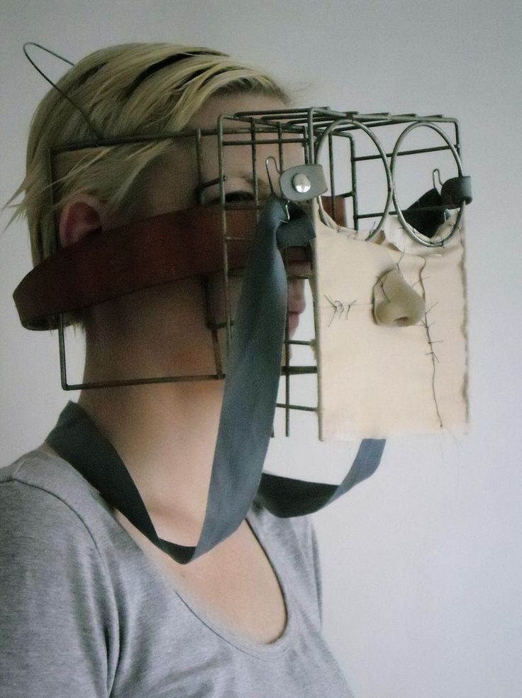 """Face"", found objects + textile. Kari Anne Helleberg Bahri, 2012"