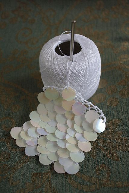 Sequin Crochet | Flickr - Photo Sharing! ♪ ♪ ... #inspiration #crochet #knit #diy GB http://www.pinterest.com/gigibrazil/boards/