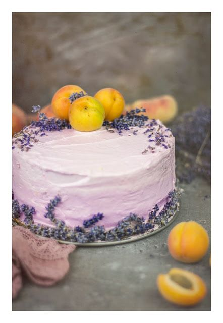 Lavender cake with apricot curd