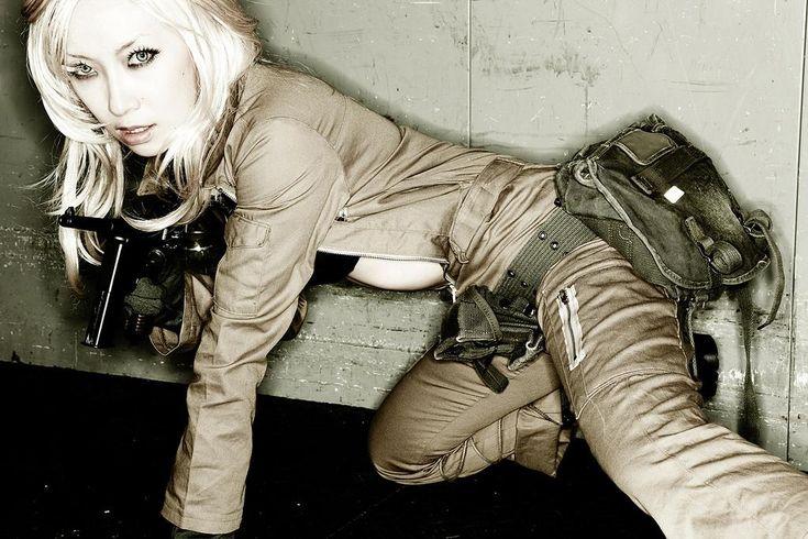 Omi Gibson, Reina di Metal Gear Solid Cosplay