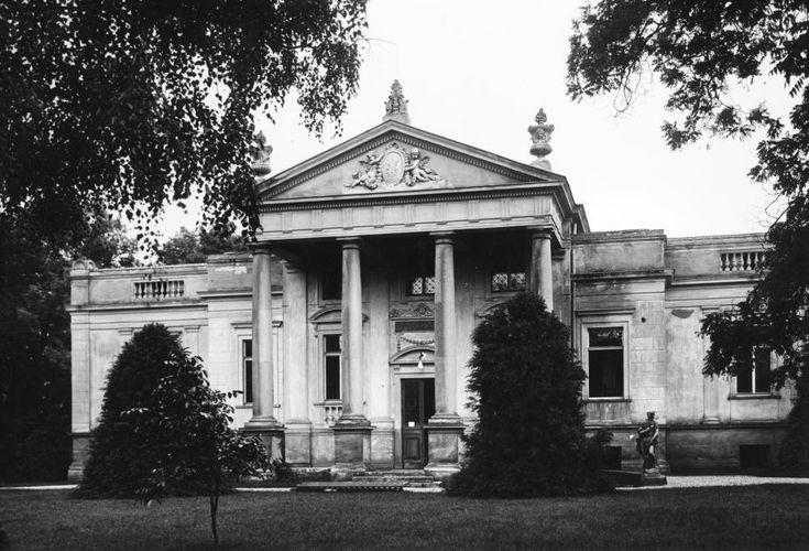 Deák tér 1. Lenck villa.