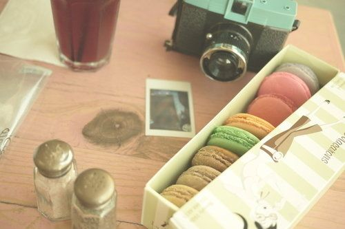 I dream of macaronsMacarons Paris, Sunday Mornings, 1950S Inspiration, Boxes Macarons, Vintage, 1950 S Inspiration, Food, Paris Desserts, Photografy Sweets Colors