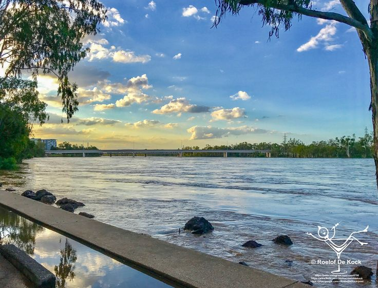 Cyclone Debbie's aftermath...Fitzroy River in flood...expected to reach all time high in coming days #rockhampton #fitzroyriverqld #fitzroyriver #vaas8790