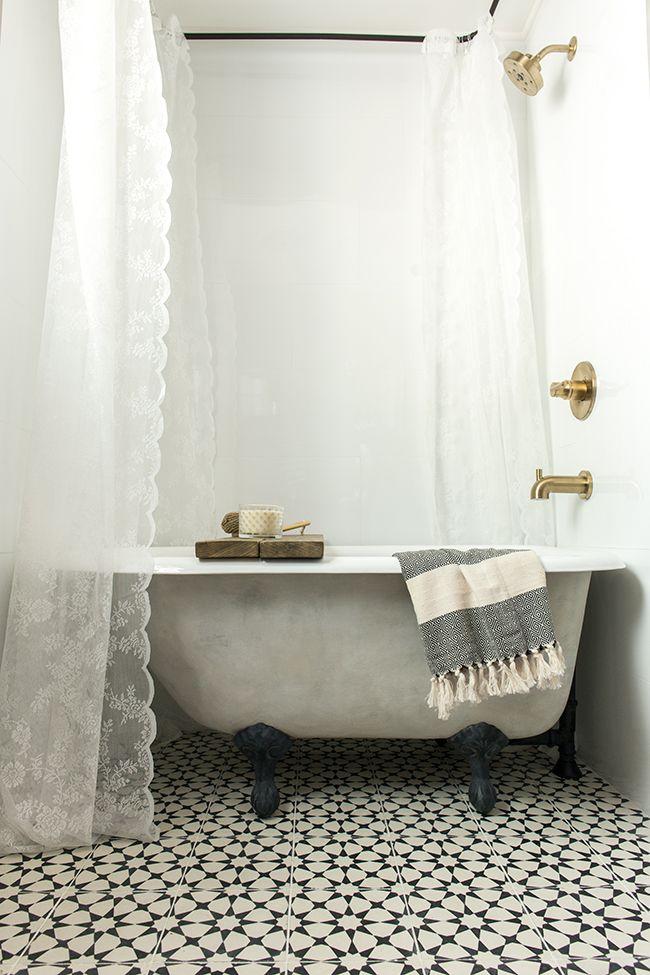 top 25 best clawfoot tub shower ideas on pinterest. Black Bedroom Furniture Sets. Home Design Ideas