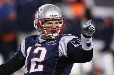Tom Brady, Patriots top Tim Tebow, Broncos, 45-10, to advance to ...