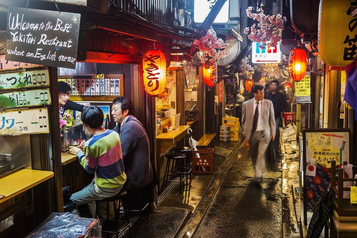 [Omoide Yokocho | Shinjuku, Tokyo] Referred to as Yakitori Lane or Piss Alley is the place to go for late-night yakitori.