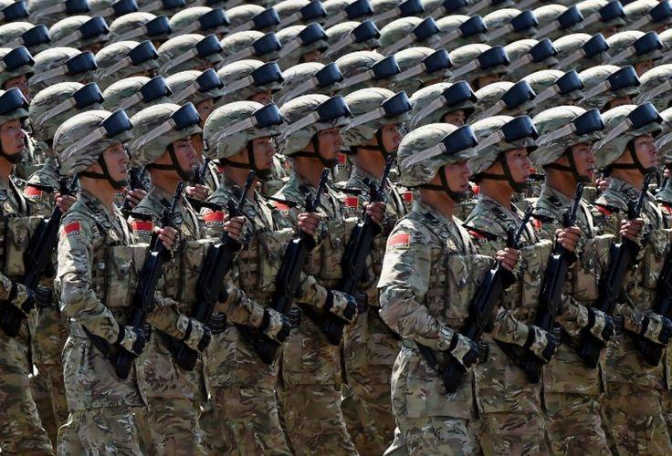 Ce 3 septembre, 12000 soldats ont défilé dans une capitale entièrement paralysée: stations de métro, rues et monuments fermés, hôtels inaccessibles, trafic aérien suspendu, salariés en congé...
