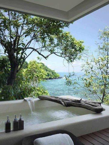 Private Bay Bathtub