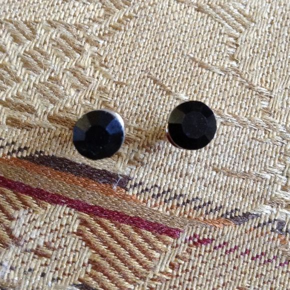 Stainless steel black rhinestone ear stud NWOT. Beautiful ear stud.  6m Black rhinestone with stainless steal Jewelry