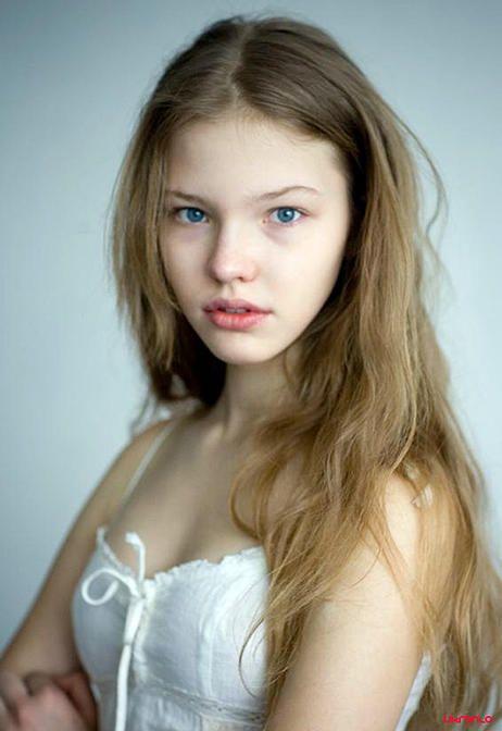 Bellas bellezas rusas mostrando su