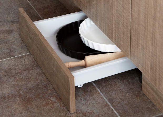 cuisine cach e dans un angle petite cuisine toutes nos id es d co escabeaux gamelle et. Black Bedroom Furniture Sets. Home Design Ideas