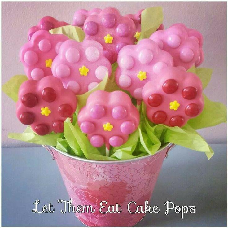 Flower Cake Balls : Flower cake pops Cake pops Pinterest Flower cake ...