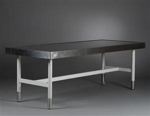 Vare: 3285632Stort spisebord / køkkenbord i industrielt design Denne vare er sat til omsalg under nyt varenummer 3321978