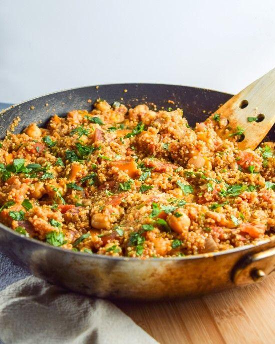 One Pot Tandoori Quinoa - sehr gut! Mit Zimt und Nelken, passt super zur Süßkartoffel!