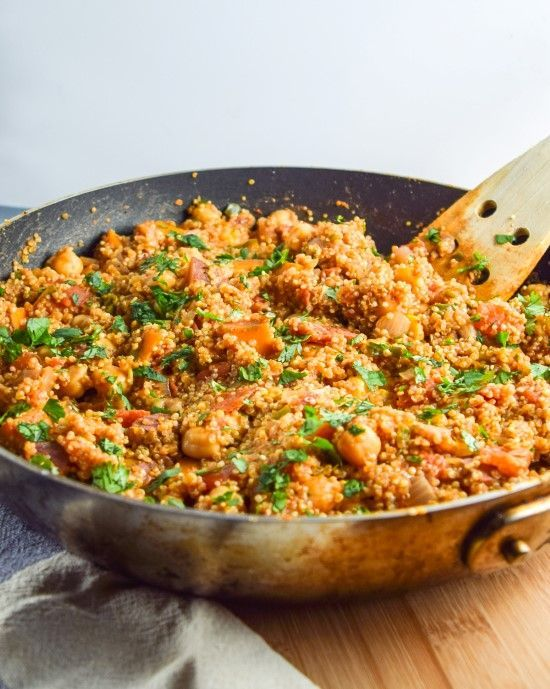 One pot tandoori quinoa with chickpeas and sweet potato. A delicious, healthy meal where everything cooks in one pan! Naturally vegan and gluten-free.