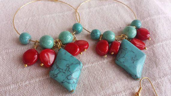 Guarda questo articolo nel mio negozio Etsy https://www.etsy.com/it/listing/269909524/stone-hoop-earrings-turquoise-and-coral