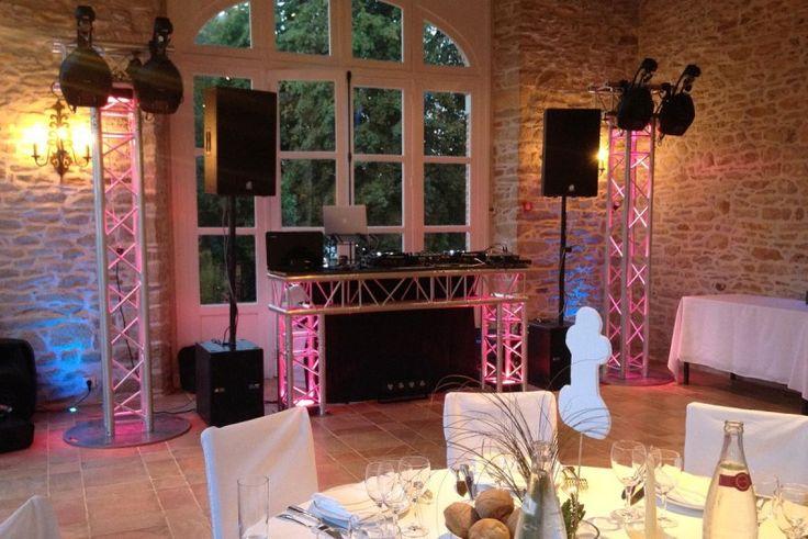 DJ animateurs sonorisation  DJ, animateurs professionnels, sonorisation et éclairage à la fine pointe, soirée ... vos événements corporatifs, votre mariage ainsi que tout autre événement.