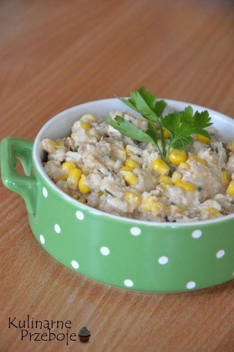 sałatka z tuńczykiem i ryżem, sałatka z tuńczykiem, sałatka z ryżem, sałatka ryżowa z tuńczykiem, sałatka z tuńczykiem, ryżem i kukurydzą, prosta sałatka.