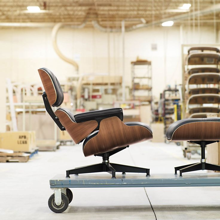Designwithinreach Topping Wish Lists For 58 Years The Eames Lounge And Ottoman Is On Sale And Shipping For Free During The Herman Miller Sale