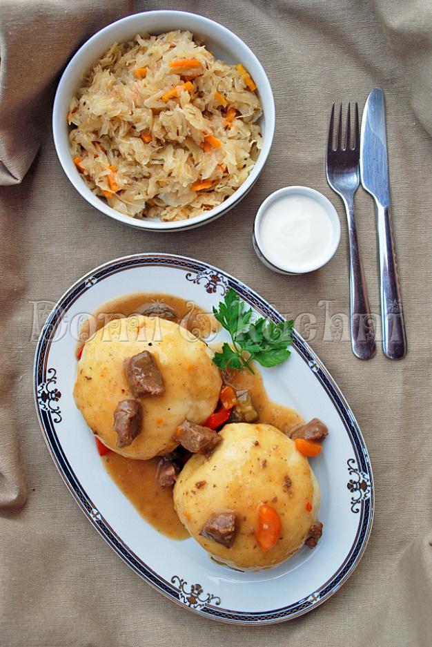 Pampuchy z mięsem i kapustą autorstwa @Dominika White Lewandowska #polish #food