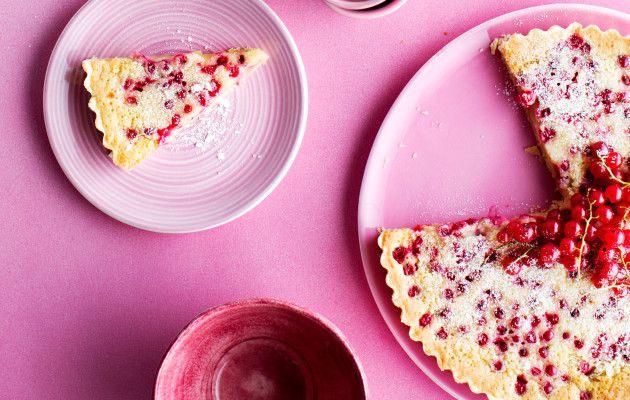 Punaherukka sopii leivontaan, juomiin ja jälkiruokiin – 9 makeaa ohjetta