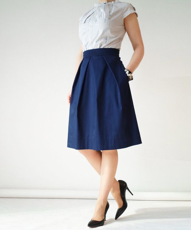 A-Linien Rock mit Falten in Marineblau, eleganter Rock, knielang / elegant and modern skirt in dark blue, feminine fashion made by rozzadesign via DaWanda.com
