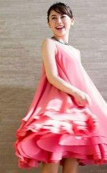 ピンクのドレスで華やかに♡秋冬ファッションのお呼ばれドレス参考♪